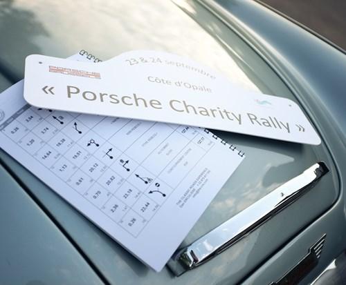 """Porsche Charity Rally ten voordele van """"La tête hors de l'eau"""" verbindt Brussel met Touquet"""