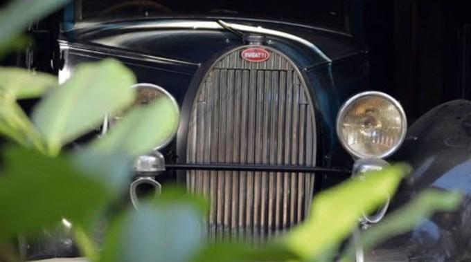 Drie verlaten Bugatti's in een schuur in België