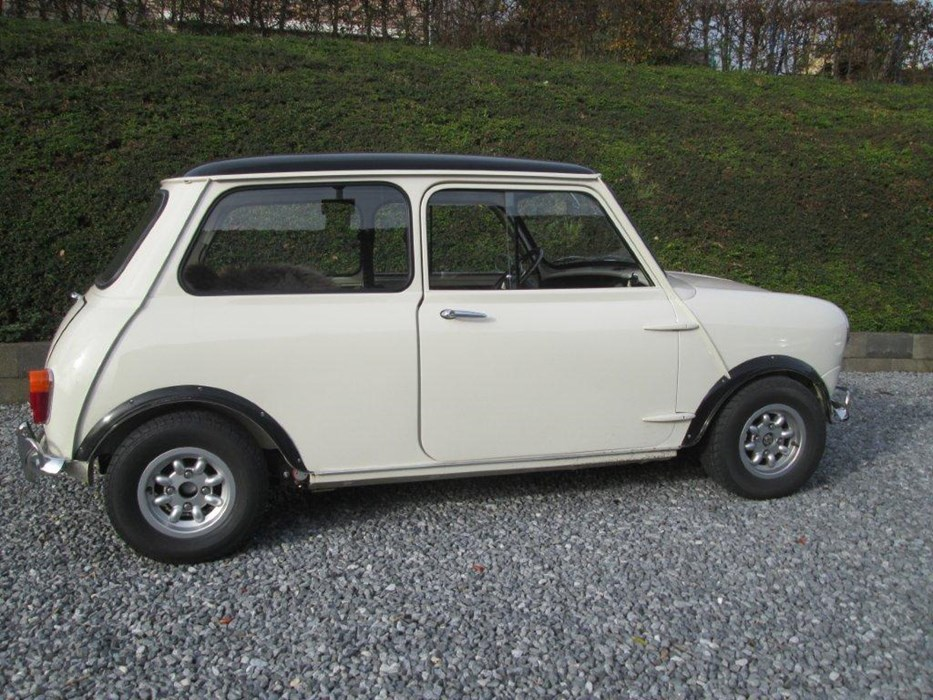 a ne pas rater vendre ancetre austin mini mk ii de 1969 mini all models voitures vendre. Black Bedroom Furniture Sets. Home Design Ideas