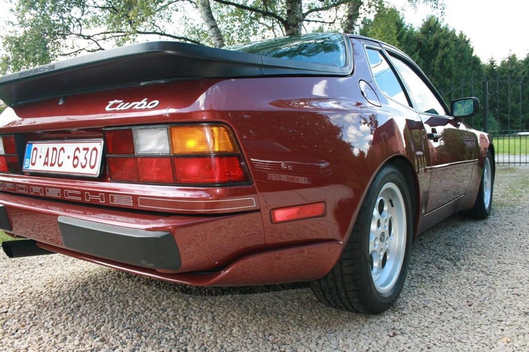 Porsche 944 turbo porsche 944 voitures vendre for Porsche 944 interieur