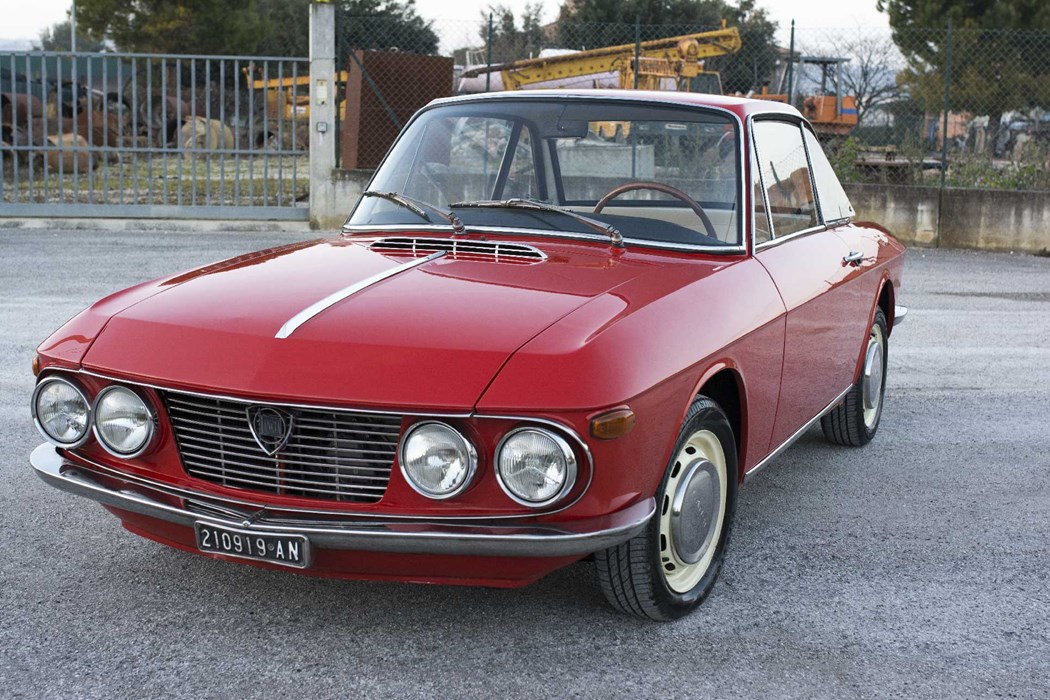 lancia fulvia coupe 1216cc lancia fulvia voitures vendre classic car passion. Black Bedroom Furniture Sets. Home Design Ideas