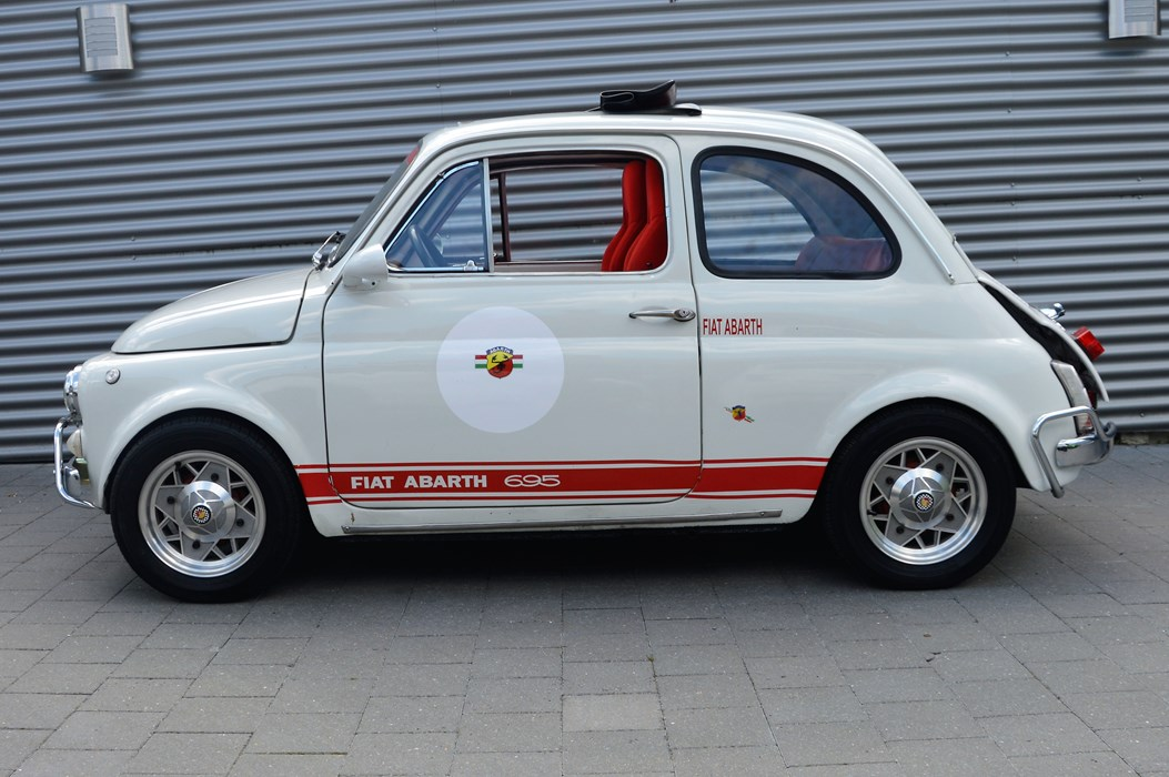 fiat 500 r look abarth fiat 500 pre 75 voitures. Black Bedroom Furniture Sets. Home Design Ideas