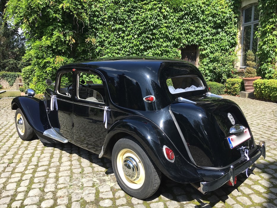 citro n traction 11b citro n traction avant voitures vendre classic car passion. Black Bedroom Furniture Sets. Home Design Ideas
